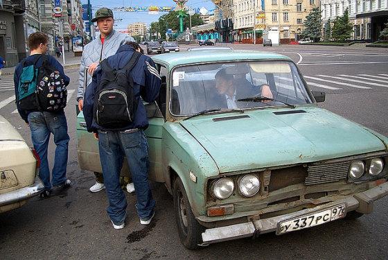 FastPhive's nuotr. /Maskvoje galima vis dar sustabdyti ir tokių taksi automobilių