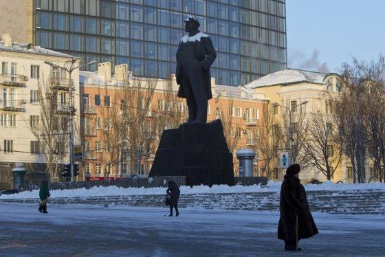 """Reuters""/""Scanpix"" nuotr./Donetske tebestovi Vladimiro Lenino paminklas"