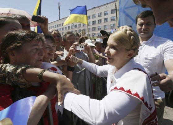 """""""Scanpix"""" nuotr./Julija Tymošenko rinkimų kampanijos įkarštyje"""