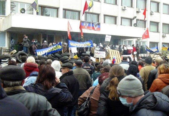 """""""Reuters""""/""""Scanpix"""" nuotr./Protestai Mariupolyje"""