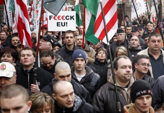 """Scanpix"" nuotr./Vengrijos Jobbik partijos rėmėjai"