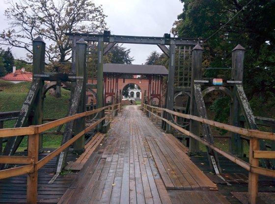 Tiltas į Biržų pilį