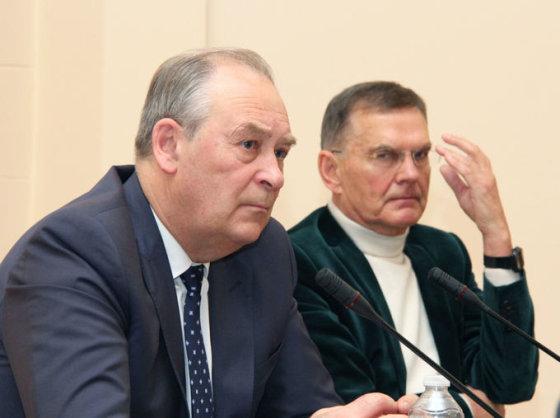 Virginijos Valuckienės (LMA) nuotr./R.Jucevičius ir prof. Ramutis Petras Bensevičius (dešinėje)