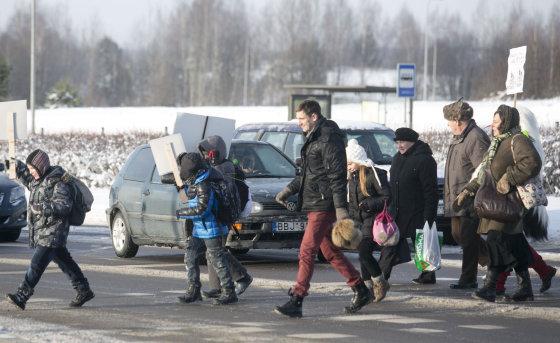 """Luko Balandžio/Žmonės.lt nuotr./Akcija """"Žalią šviesą saugiam vaikų keliui į mokyklas"""""""