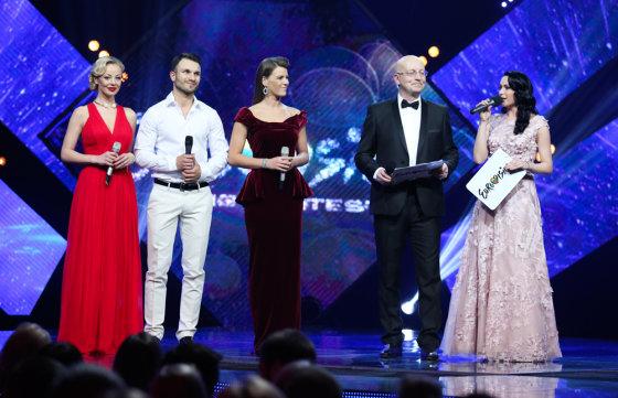 Luko Balandžio/Žmonės.lt nuotr./Vilija Pilibaitytė-Mia, Vaidas Baumila, Vilija Matačiūnaitė, Arūnas Valinskas ir Simona Nainė