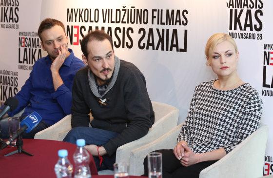 Luko Balandžio/Žmonės.lt nuotr./Tadas Gryn,Mykolas Vildžiūnas ir Toma Vaškevičiūtė