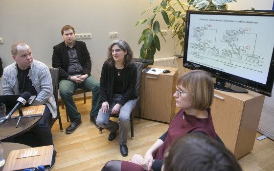 Luko Balandžio/Žmonės.lt nuotr./Politologai pristatė tyrimą apie rinkimus