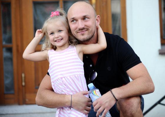 Luko Balandžio/Žmonės.lt nuotr./Donatas Baumila su dukra Smilte