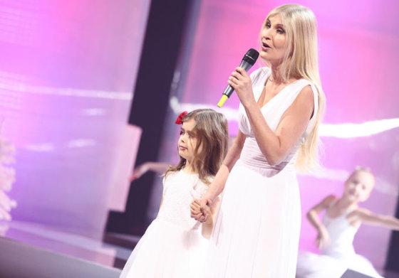 Laura Remeikienė su dukra