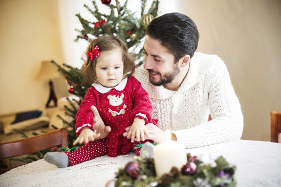 Viganto Ovadnevo/Žmonės.lt nuotr./Vytautas Mackonis su dukra Penelope