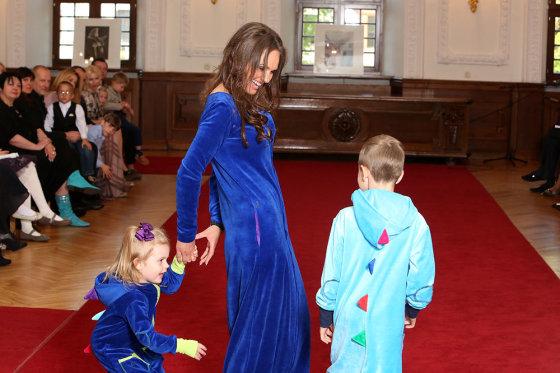 Teodoro Biliūno/Žmonės.lt nuotr./Neringa Mažeikienė su sūnumi Grantu ir dukra Gaudre