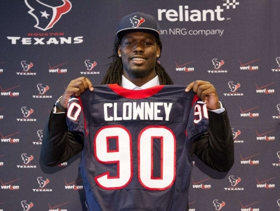 """AFP/""""Scanpix"""" nuotr./Pirmasis NFL biržos šaukimas – Jadeveonas Clowney"""
