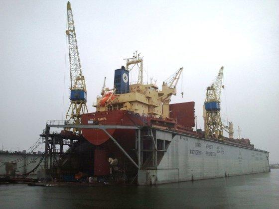 L. Sėlenienė/Iš didžiausio Klaipėdos uoste doko išsiurbta 60 tūkst. kubinių metrų teršalų