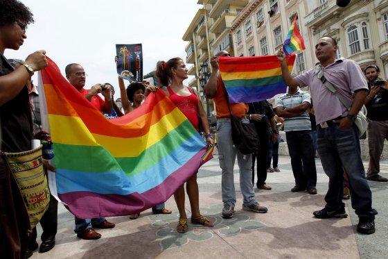 """""""Reuters""""/""""Scanpix"""" nuotr./Homoseksualų teisių gynėjai Havanoje"""