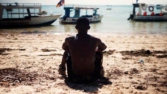 """filmshorts.lt nuotr./Kadras iš filmo """"Paplūdimio berniukas"""""""