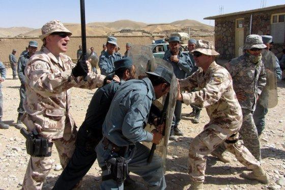 VST nuotr./Afganistane VST atstovai mokė vietos pareigūnus