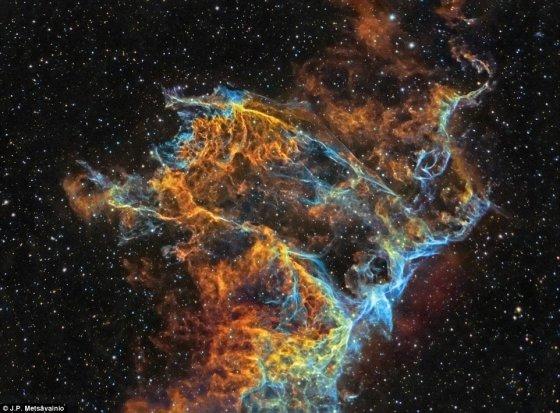 J.P. Metsävainio nuotr./IC 1340 yra Tinklo ūko dalis. Tinklo ūkas – supernovos liekana Gulbės žvaigždyne, esanti už 1 470 šviesmečių. Nuotraukos autorius – J.P. Metsävainio iš SuomijosMeslavanino nuotr.