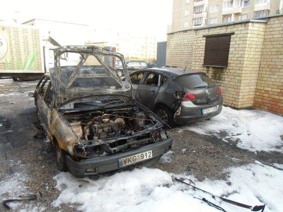 Degė automobiliai