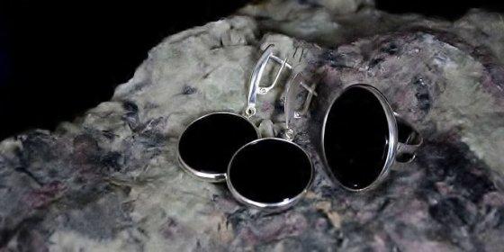 Patyrusių juvelyrų kolektyvas nuolat kuria unikalius, vienetinius gaminius