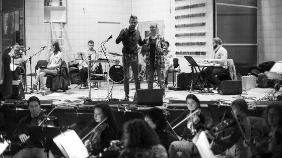 Asmeninio albumo nuotr./Lino Adomaičio repeticijos akimirka