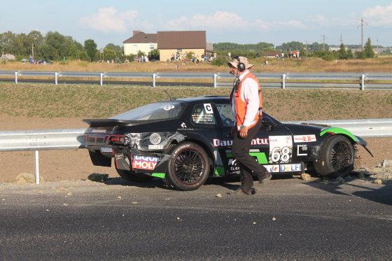 Tomo Markelevičiaus nuotr./1 000 km lenktynėse susidūrė trys automobiliai