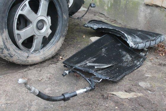 """Tomo Markelevičiaus nuotr./""""Audi S6"""" po avarijos"""