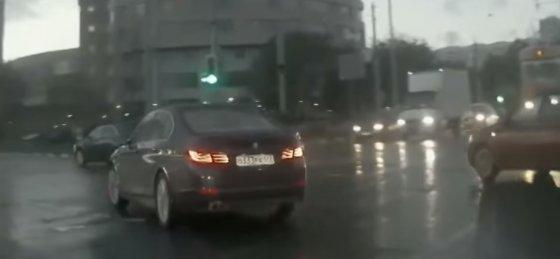 Stop kadras/Automobilio vaiduoklio avarija