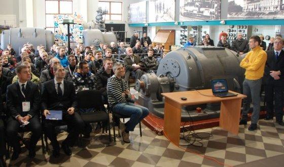 """Andriaus Žilėno nuotr./Konkursas """"Geriausias jaunasis automechanikas 2015"""""""