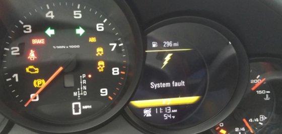 """Stop kadras/Nuolat gendantis """"Porsche"""""""