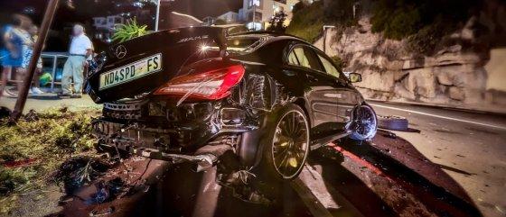 """stushapiro.com nuotr./Sudaužytas naujas """"Mercedes-Benz"""" CLA 45 AMG"""