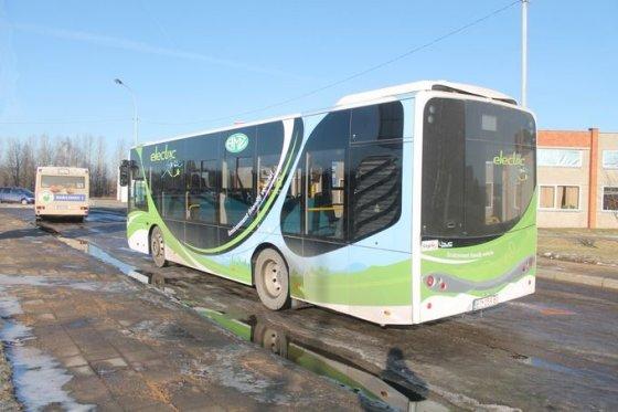 """Tomo Markelevičiaus nuotr./Elektra varomas autobusas """"L-BUS"""""""