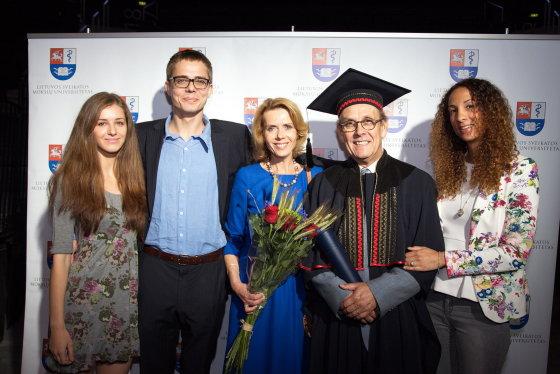 Luko Kazakevičiaus nuotr./R.M.Magistris su šeima