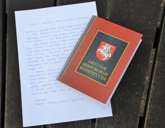 Konstitucija LLRA kandidatui į Lietuvos Respublikos Prezidentus