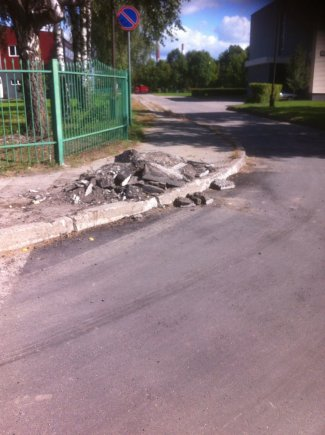 Naujai išasfaltuota gatvė Kaune...