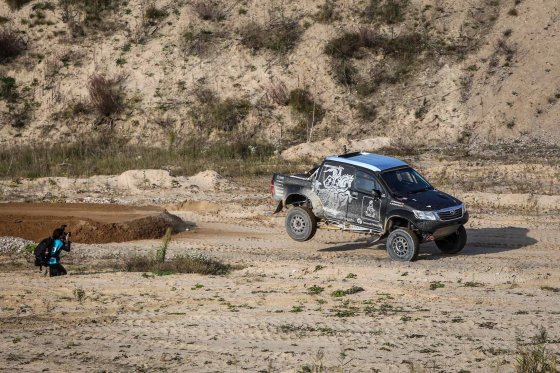 "Juliaus Kalinsko/15min.lt nuotr./Benediktas Vanagas bando ""Toyota Hilux"""