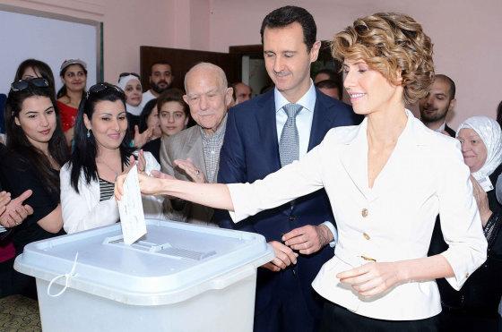 """""""Scanpix""""/AY-COLLECTION/SIPA nuotr./Sirijos prezidentas Basharas al Assadas su žmona Asma"""