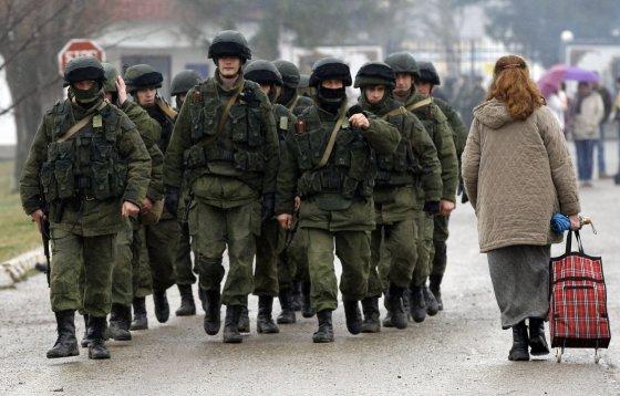 """Reuters""/""Scanpix"" nuotr./Rusijos kariai Kryme"