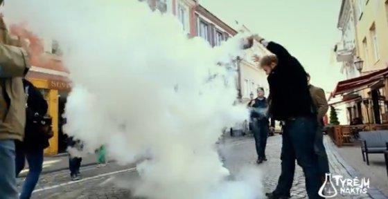 """Kadras iš video/""""Tyrėjų nakties"""" akimirka"""