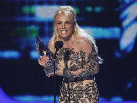 """""""Reuters""""/""""Scanpix"""" nuotr./Britney Spears atsiima mėgstamiausios popmuzikos atlikėjos apdovanojimą"""