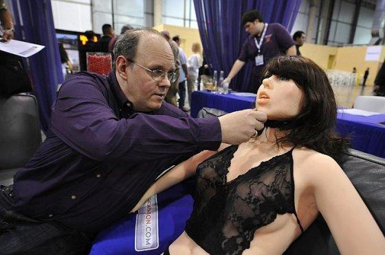 Scanpix nuotr. / Dar viena seksualinė revoliucija: sekso robotų era