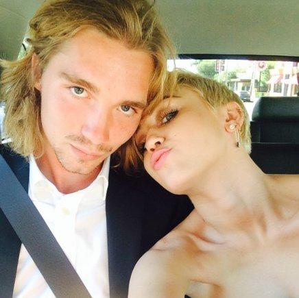 """Instagram"" nuotr./Miley Cyrus su buvusiu benamiu Jesse'iu"