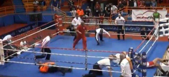 youtube.com/V.Lončaras mušė teisėją, o Lietuvos boksininkas pabėgo iš ringo