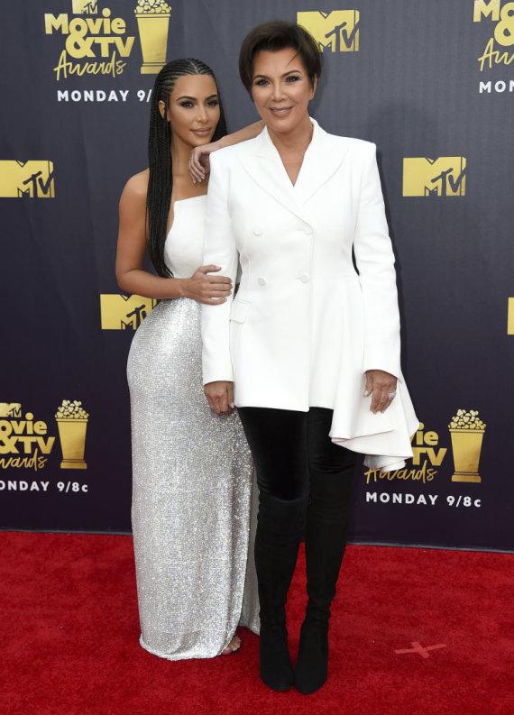"""Scanpix"" nuotr./Kim Kardashian West ir su mama Kris Jenner"