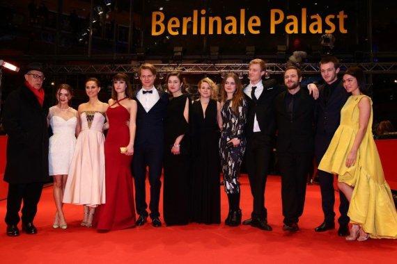 Vittorio Zunino Celotto nuotr./Natalie Portman (trečia iš kairės) ir Aistė Diržiūtė (šešta iš kairės)