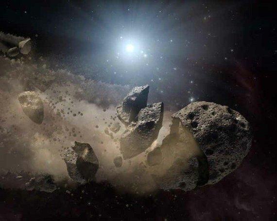 NASA JPL nuotr./Subyrantis asteroidas
