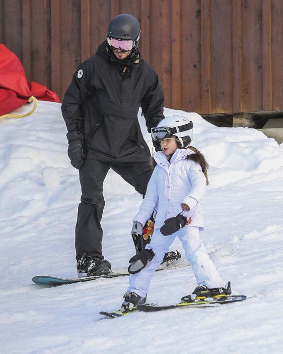 Vida Press nuotr./Davidas Beckhamas su dukra Harper