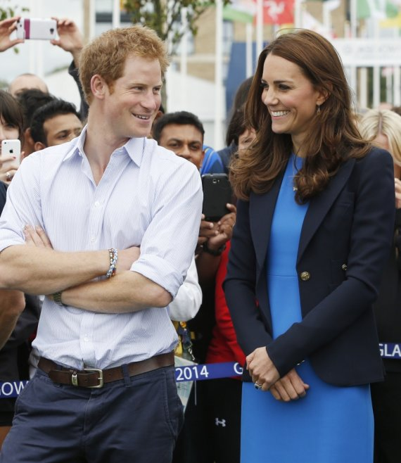 """AFP/""""Scanpix"""" nuotr./Princas Harry ir Kembridžo hercogienė Catherine"""