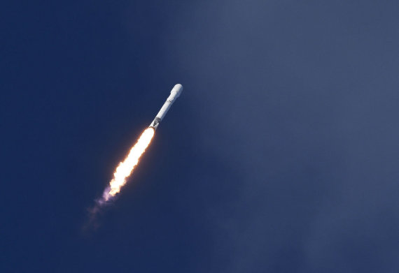 """Scanpix""/""Sipa USA"" nuotr./""SpaceX"" raketa"