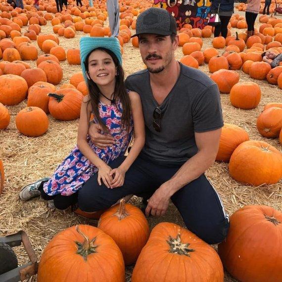 Socialinių tinklų nuotr./Joshas Klossas su dukra