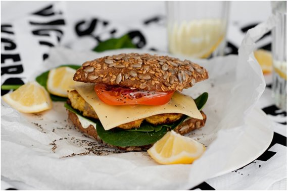 Astos Černės nuotr./Apie sumuštinį galvokite ne tik artėjant pietums, bet ir norėdami išsakyti kritiką kolegai